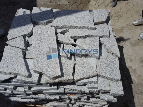 Granit Polygonalplatten Postproduktion 3 cm